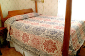 Hemfield Railroad Red/Navy Coverlet (Full/Queen)